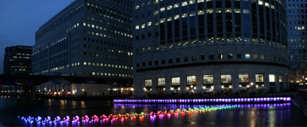 colorful-paper-boats-float-across-londons-canary-wharf-1